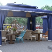 Летняя площадка ресторана
