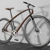 Велосипед с оригинальной деревянной рамой