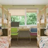 Минималистичный дизайн комнаты общежития .