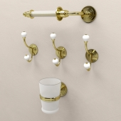 BATHROOM ACCESSORIES Devon & Devon Chelsea