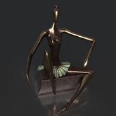 A bronze statue of Ballet - New pointe