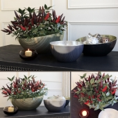 Decorative set with peppers by Kelly Hoppen