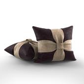 Подушка из мешковины