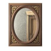 Овальное зеркало с резьбой