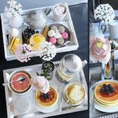 Подносы с завтраком