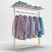 торговая стойка с одеждой
