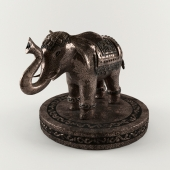 A bronze statuette of the Indian elephant - Bronze statue of an Indian elephant