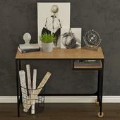 Стол для ноутбука Ikea Фьелльбо.
