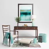Консоль и стул фирмы  Baker с декором