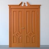 Классическая дверь с фронтоном