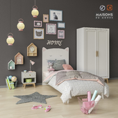 Toys and furniture set 11
