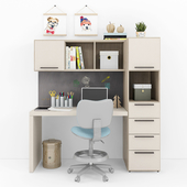 Writing desk and decor for a child 10