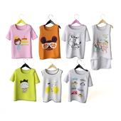 Набор детских футболок на плечиках