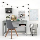 Письменный стол и декор для детской 16
