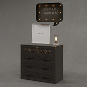 RH / Eldon steamer trunk dresser