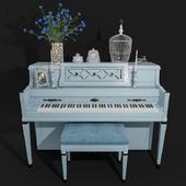 Piano Wurlitzer in the style of Provence