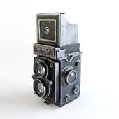 """The camera """"Yashica Mat-124 B"""