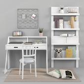 Письменный стол и декор для детской 17