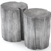 Серые столики из пней.