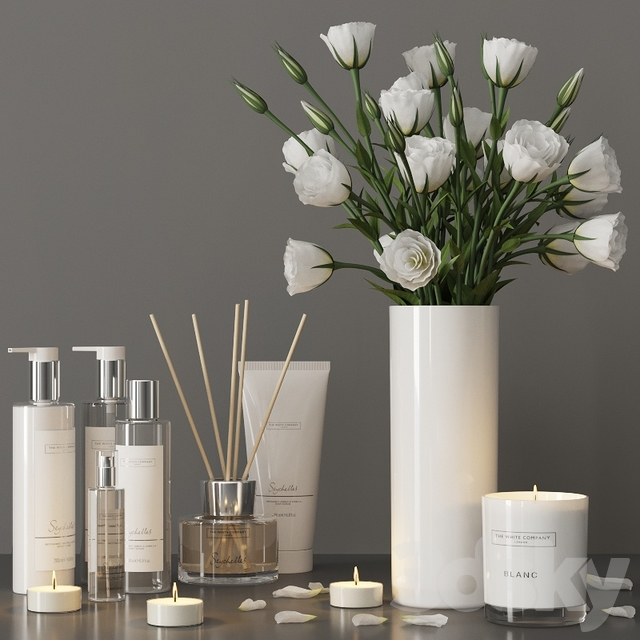 Decorative set with a bouquet of lisianthus and cosmetics