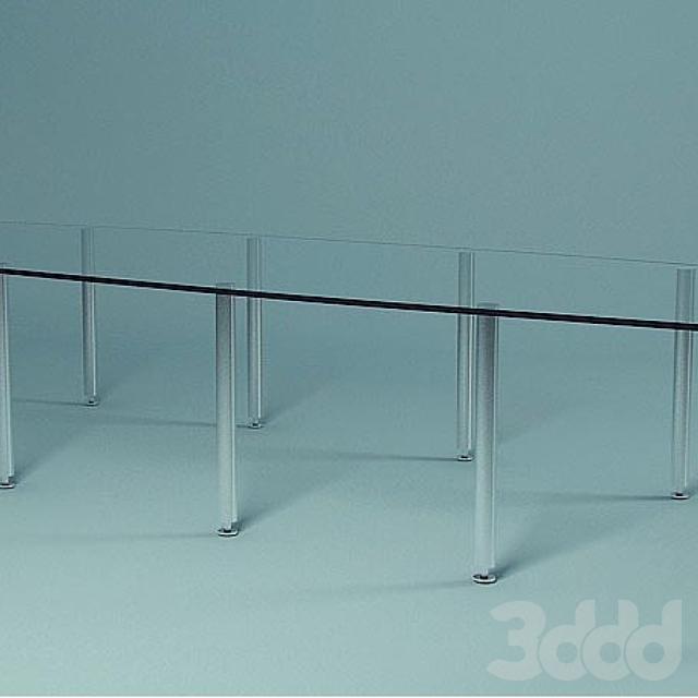 Стеклянный стол в переговорку