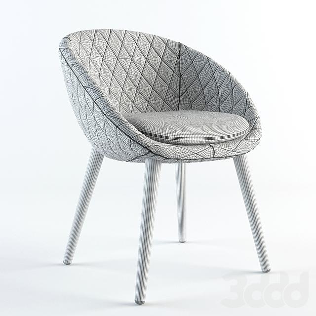 Moooi  Love chair