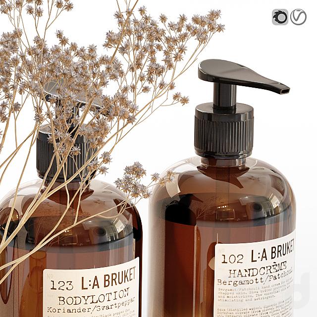 LA Bruket decor set for bathroom with dry flowers